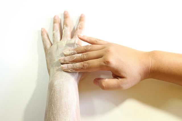 Come rimuovere le cellule morte della pelle: Scrub Corpo Levigante Snep